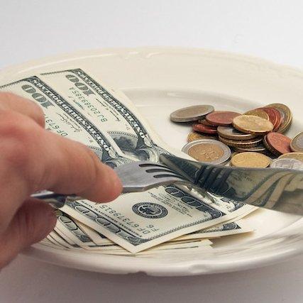 La verdad es que el costo de venta por sí mismo no dice nada de cuán rentable un restaurante puede llegar a ser.